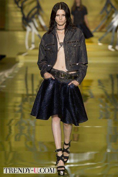Джинсовый пиджак и юбка