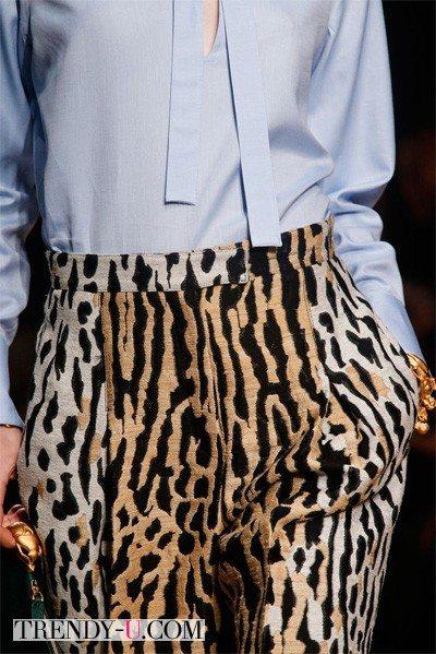Брюки с тигровым принтом весна 2014 от Valentino