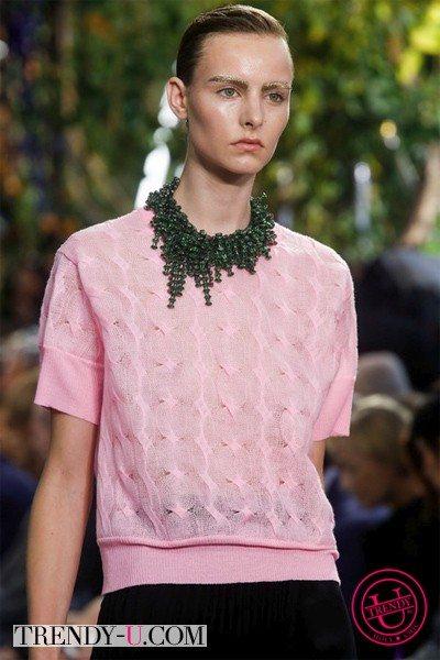 Стильное украшение от Dior SS 2014