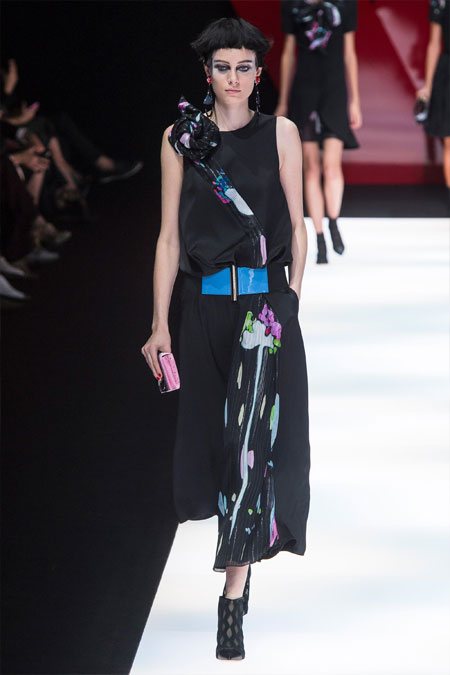 Черное модное платье миди Giorgio Armani весна-лето 2018