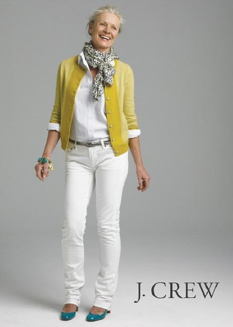 Женщина среднего возрасте в рекламе одежды J. Crew