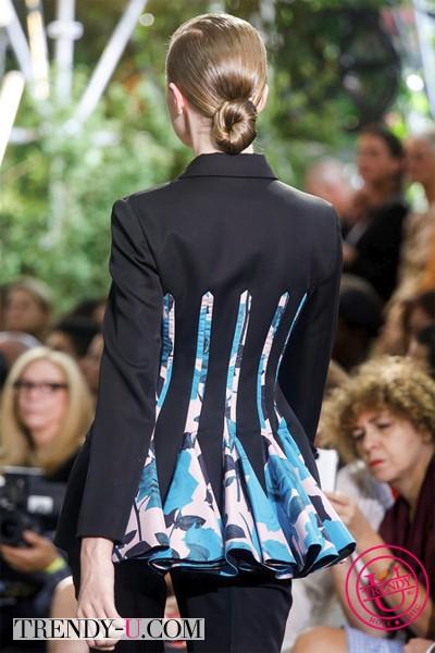 Классический костюм Dior весна-лето 2014 вид сзади