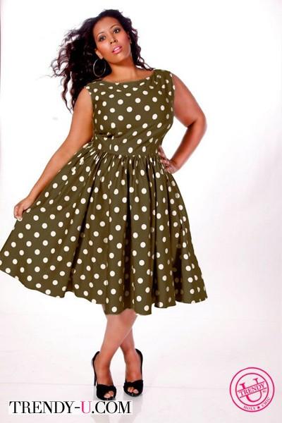Платье в стиле ретро на полной девушке