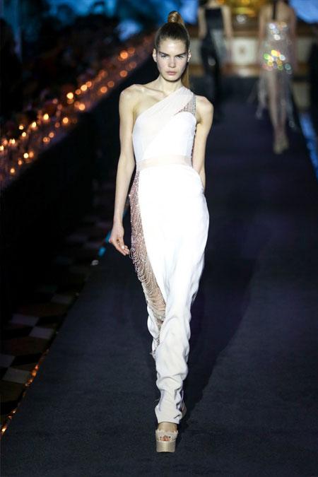Модное платье для выпускного однотонное от La Perla 2018 белое