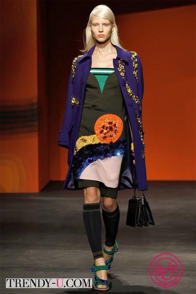 Фиолетовое пальто Прада 2014