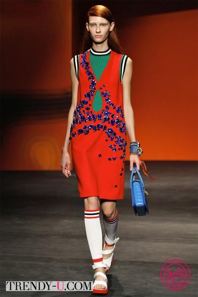 Платье в спортивном стиле 2014 от Прада