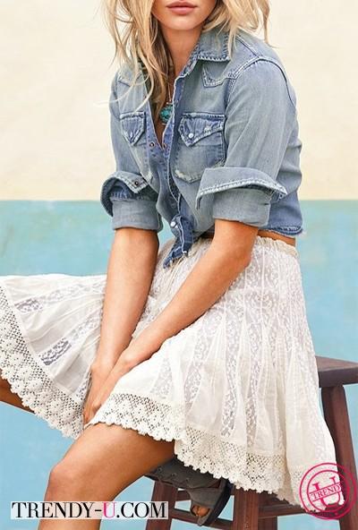 Джинсовая рубашка и кружевная юбка