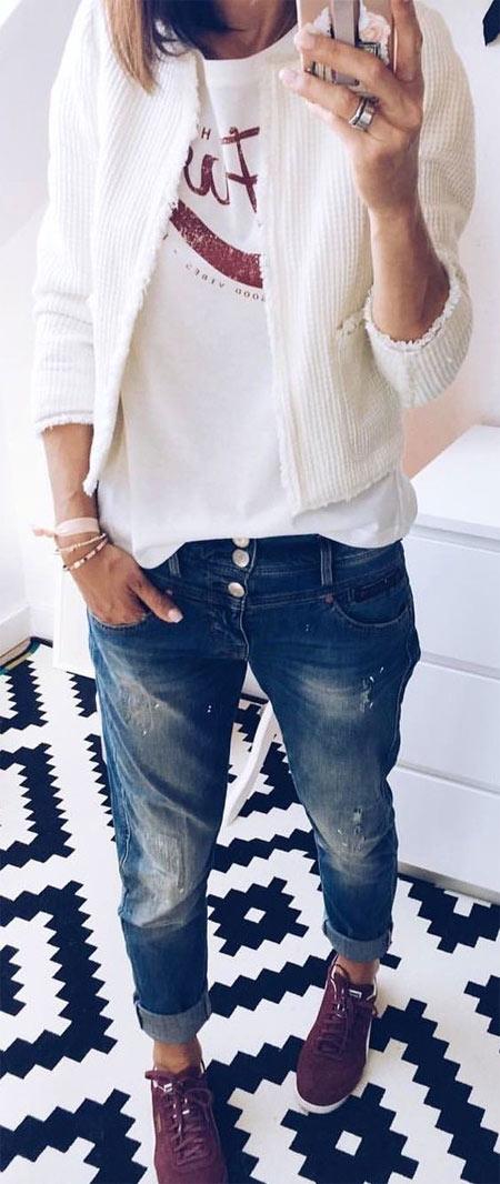 Белый кардиган в сочетании с джинсами