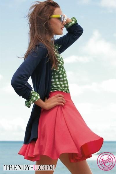Приталенная рубашка, пышная юбка, кардиган