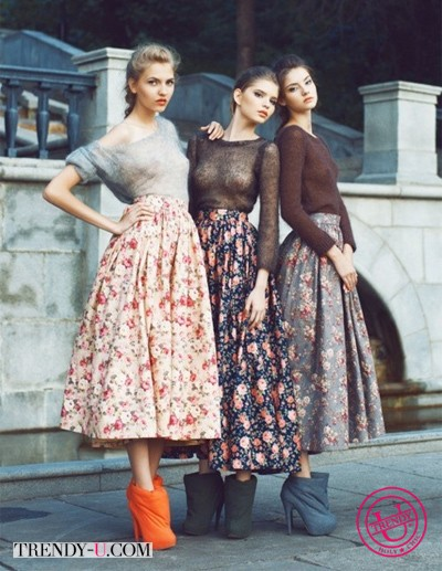 Пышные юбки с цветочным принтом и однотонные топы