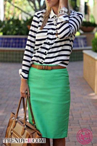 Рубашка в полосу и юбка-карандаш