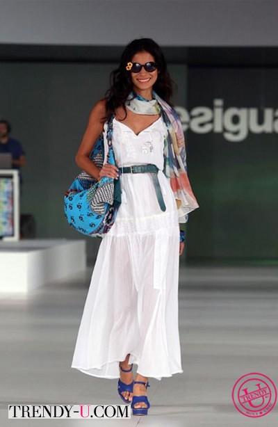 Белое платье Desigual
