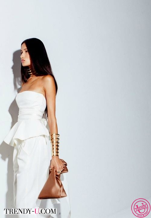 Белое платье с баской от Juan Carlos Obando