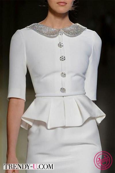 Белое платье нарядное с баской