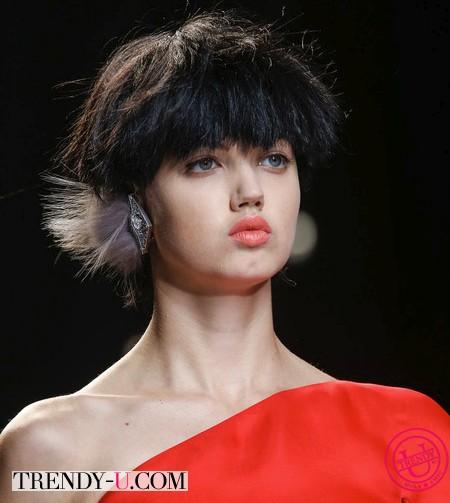 Модные прически на короткие волосы 2014