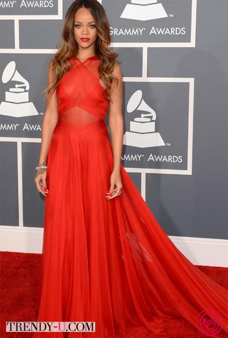 Звезды в красных платьях: Рианна