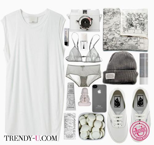 Белое платье и белые кеды