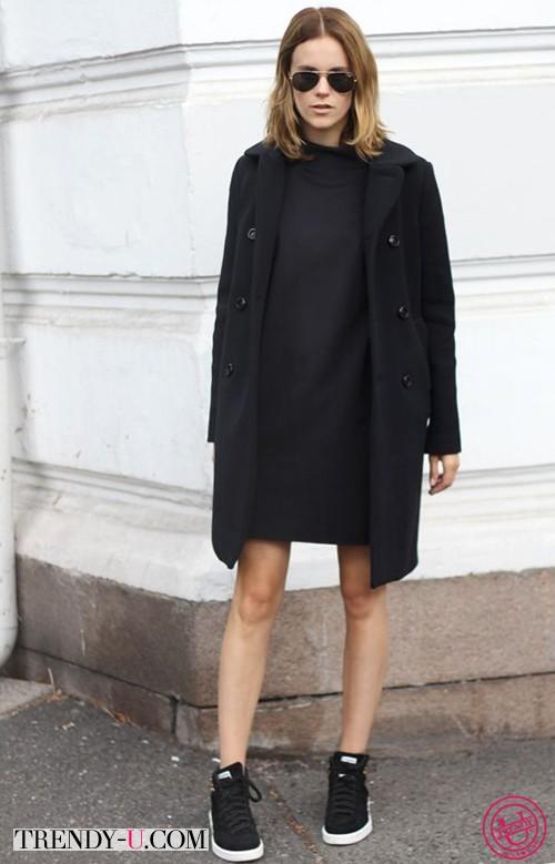 Маленькое черное платье и кеды