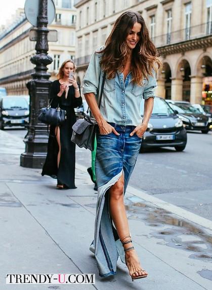 Длинная юбка в сочетании с рубашкой из денима
