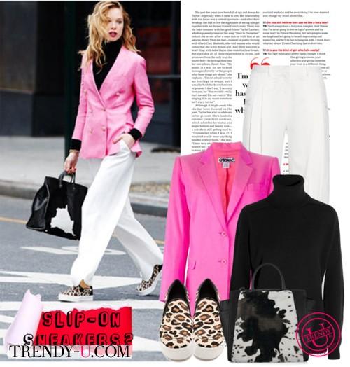 Розовый пиджак и сникерсы с хищным принтом