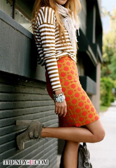 Тельняшка и юбка с принтом