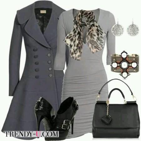 Серое платье, черные туфли и сумка