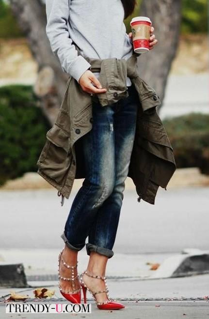 Укороченные джинсы и босоножки