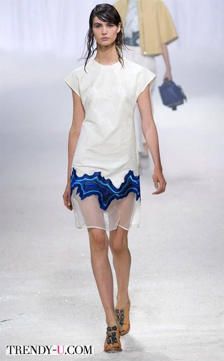 Платье с прозрачной вставкой - это тренд!
