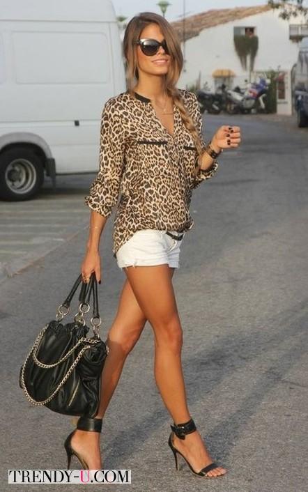Блузка с леопардовым принтом и шорты