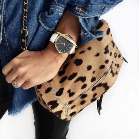 Рубашка из денима и сумка с леопардовым принтом