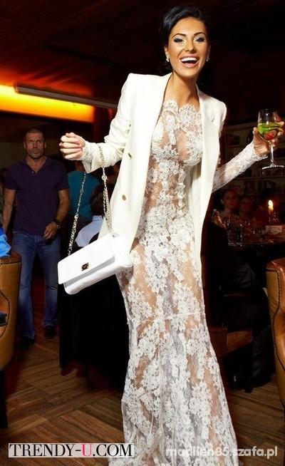 Олеся Малинская в кружевном платье в пол