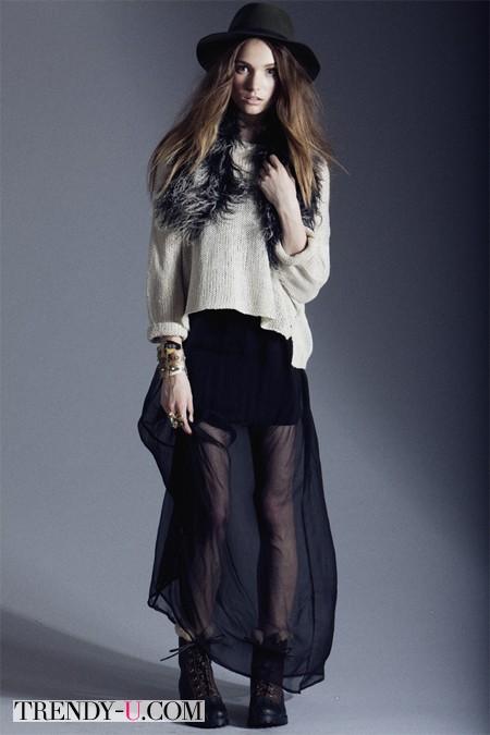 Объемный свитер и полупрозрачная юбка