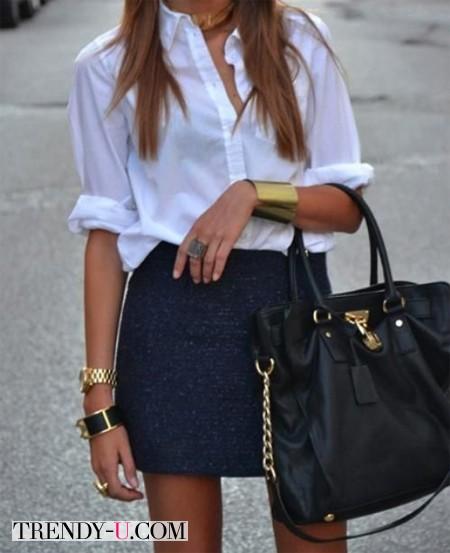 Белая блузка и украшения