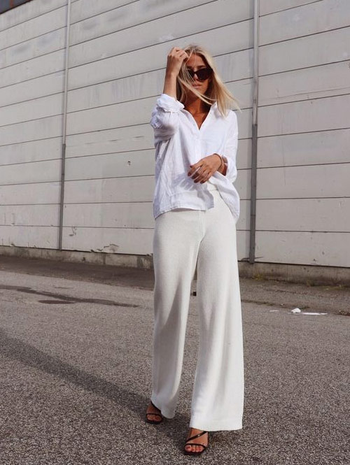 Белый свитер и широкие брюки