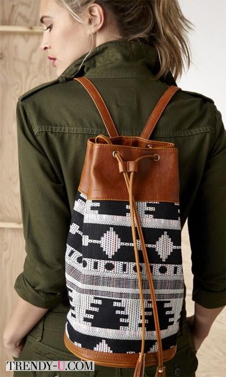 Рюкзак и платье цвета хаки