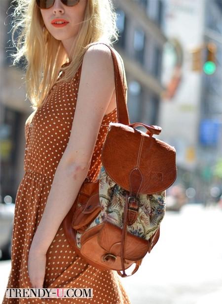 Рюкзак с гобеленовой вставкой