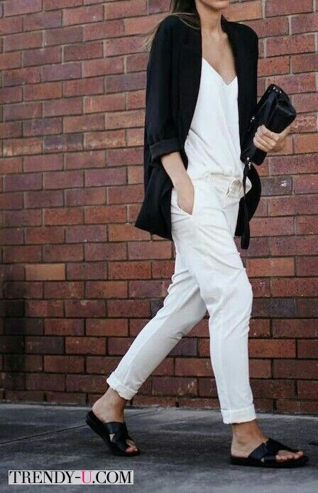 Белые брюки - черный пиджак
