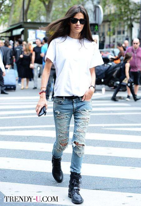 Стильный лук с рваными джинсами