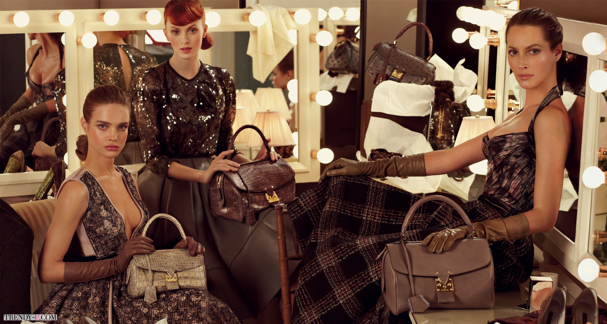 Louis-Vuitton-Fall-Winter-2010-Ad-Campaign