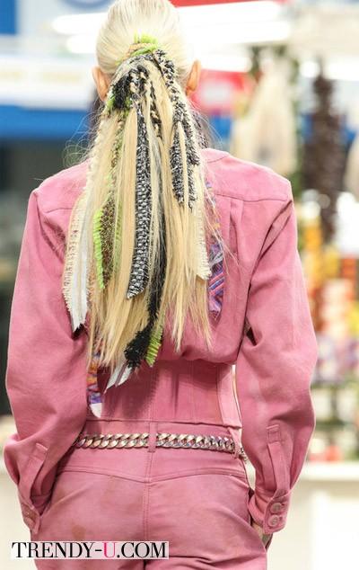 Модная прическа конский хвост Chanel осень-зима 2014-2015