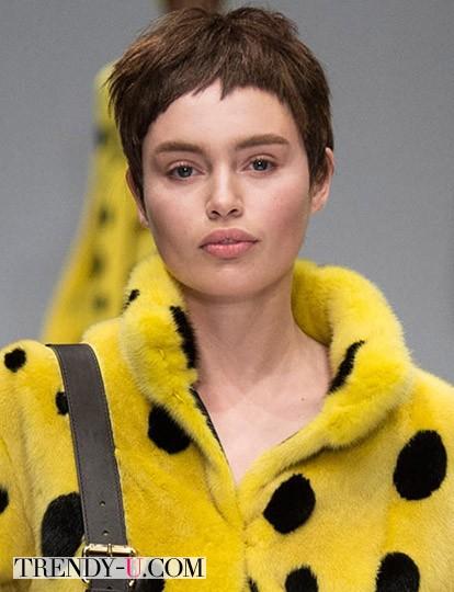 Модные стрижки осень зима 2014-2015 Moschino