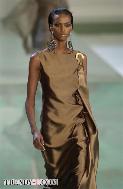 Вечернее коричневое платье и аксессуары