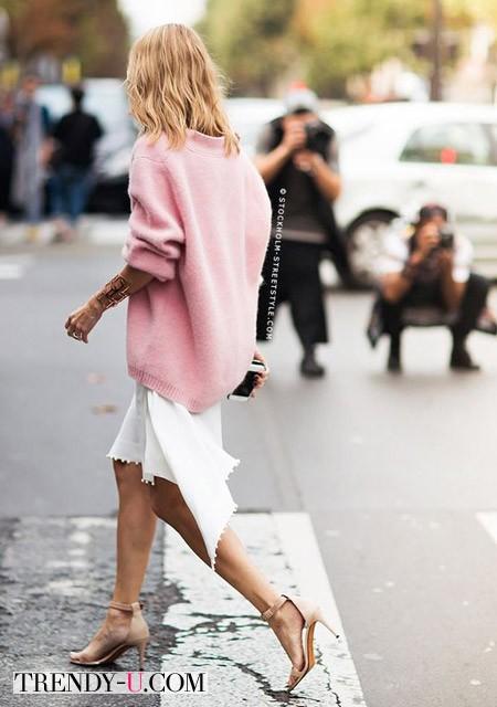 Объемный свитер и летняя юбка