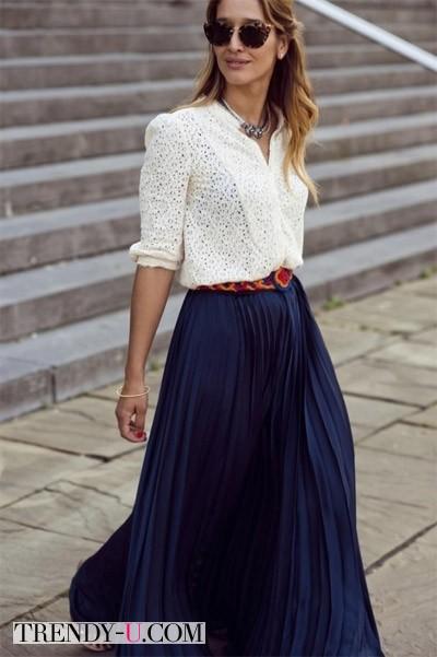 Длинная плиссированная юбка синего цвета