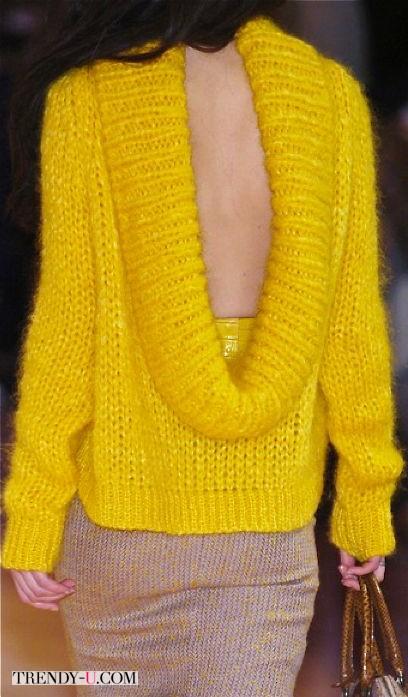 Желтый как солнце свитер из коллекции от Alexander McQueen