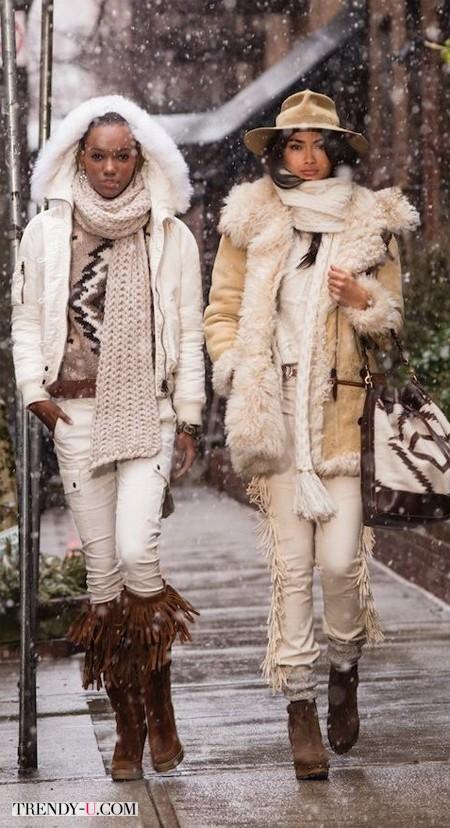 Модницы носят дубленки