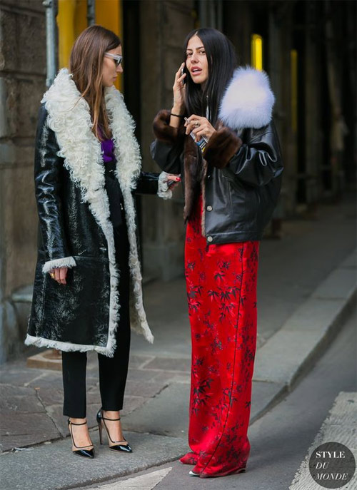 Модницы в дубленках во время Недели моды в Милане