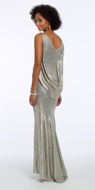 Платье цвета металлик для новогоднего праздника 2020