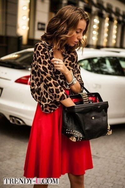 Красная юбка и леопард!
