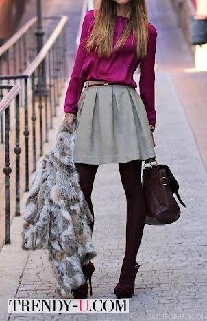 Серая пышная короткая юбка в сочетании с блузкой